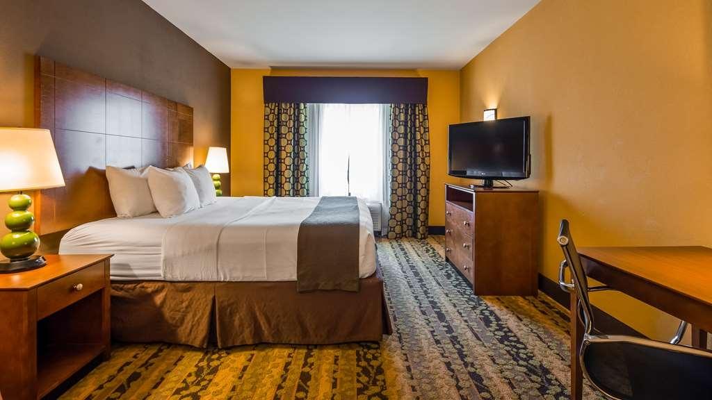 Best Western Plus Tupelo Inn & Suites - Guest Room