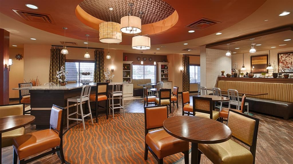 Best Western Plus Tupelo Inn & Suites - Desayuno Buffet