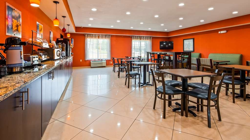 Best Western Plus Magee Inn and Suites - Breakfast Area