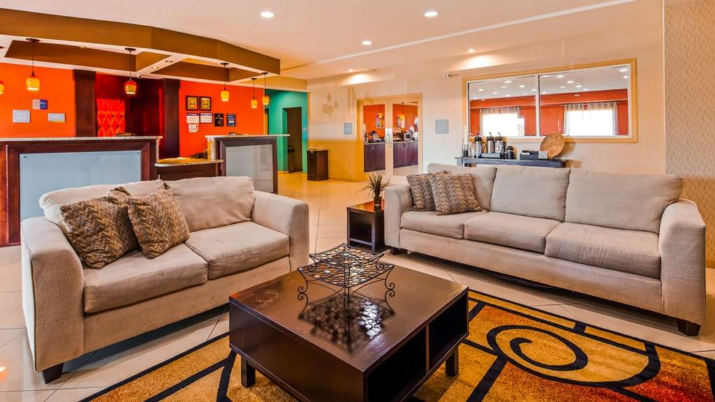 Best Western Plus Magee Inn and Suites - Lobby