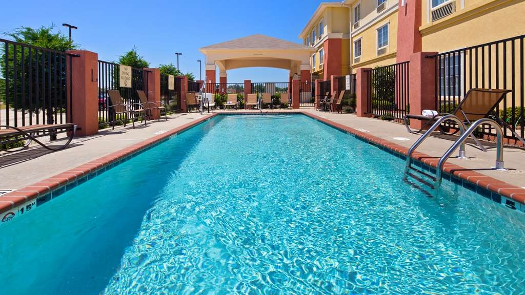 Best Western Plus Magee Inn and Suites - Pool