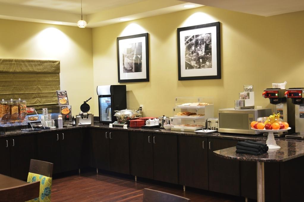 Best Western Premier University Inn - Le petit déjeuner buffet