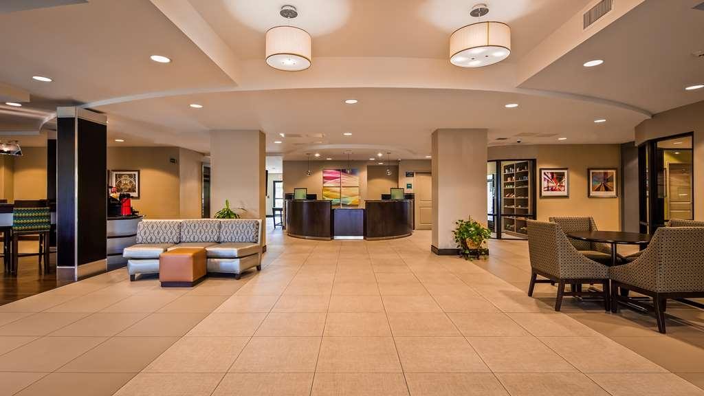 Best Western Premier University Inn - Vue du lobby