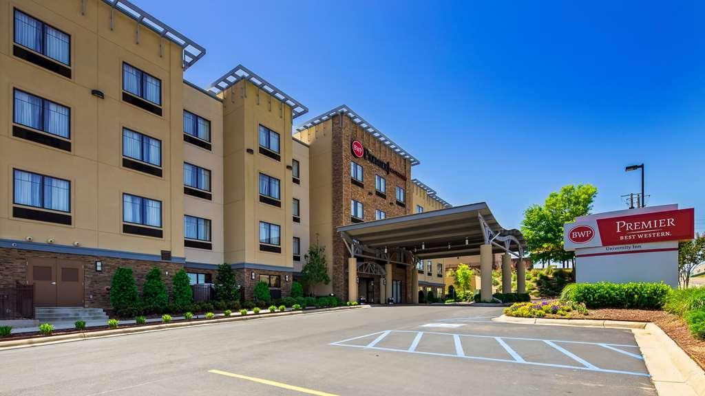 Best Western Premier University Inn - Facciata dell'albergo