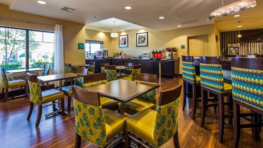 Best Western Premier University Inn - Restaurant / Etablissement gastronomique