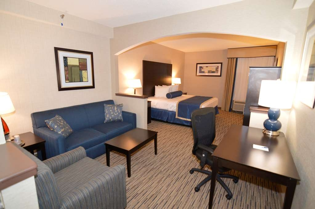 Best Western New Albany - Suite