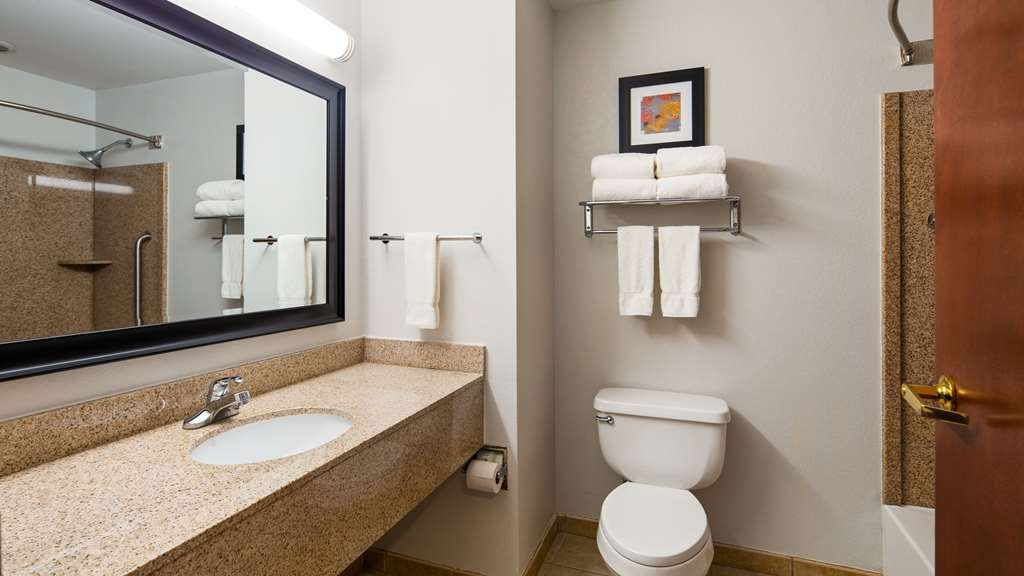 Best Western Plus Philadelphia-Choctaw Hotel and Suites - Habitaciones/Alojamientos