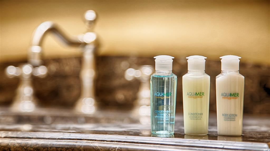 Best Western Coach House - Guest Bathroom Amenities