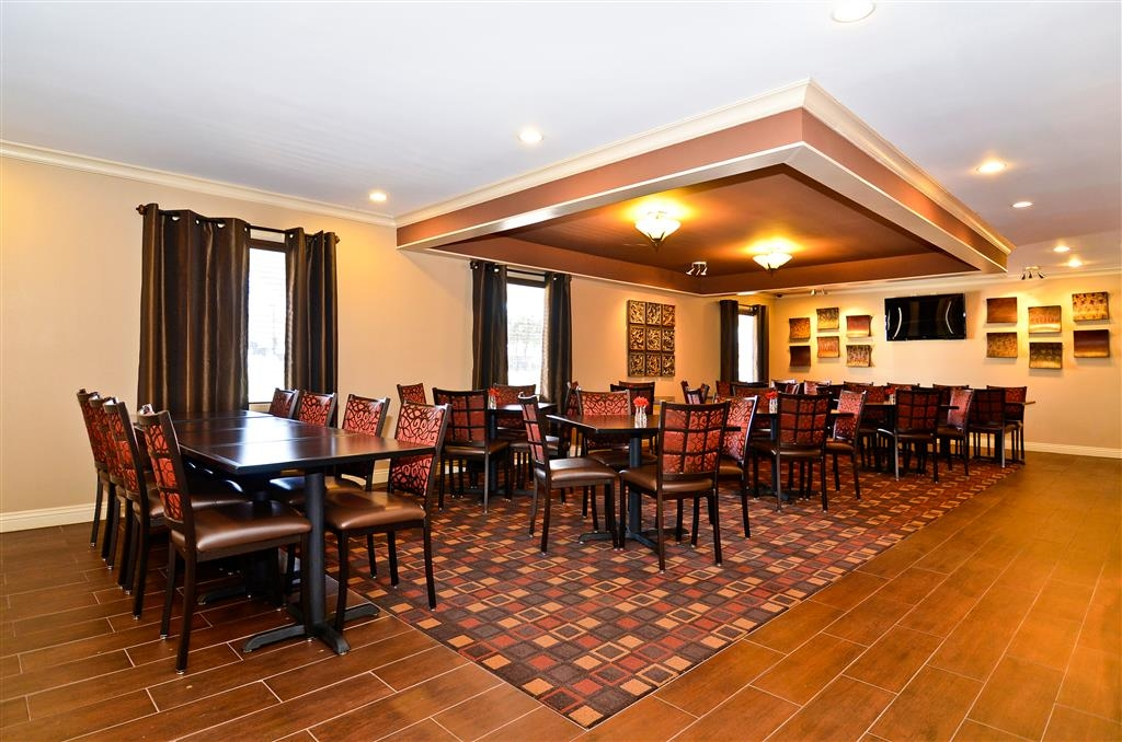 Best Western Coach House - Celebrate a birthday in our restaurant.