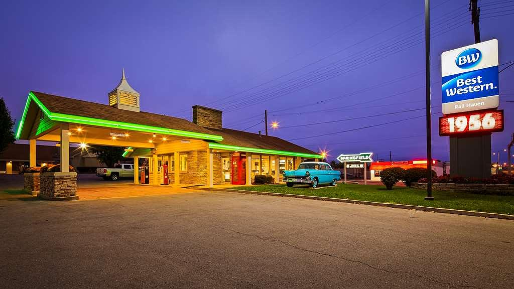 Best Western Route 66 Rail Haven - Welcome to the BEST WESTERN Route 66 Rail Haven - A classic Route 66 hotel.