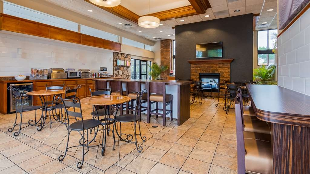 Best Western Plus Landing View Inn & Suites - Restaurante/Comedor