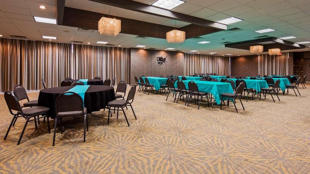 Best Western Plus Landing View Inn & Suites - centro de negocios-característica