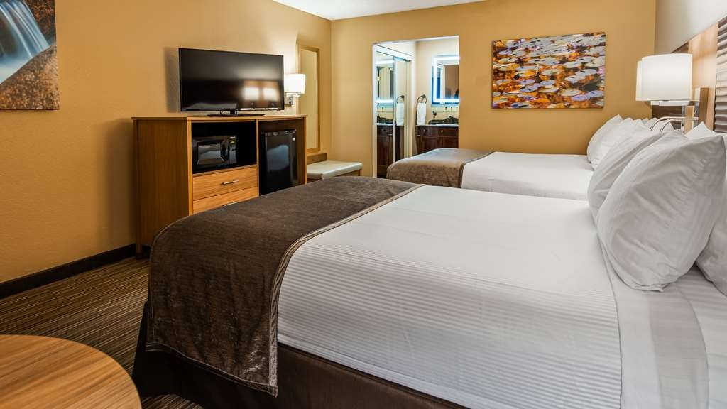 Best Western Plus Landing View Inn & Suites - Habitación doble estándar