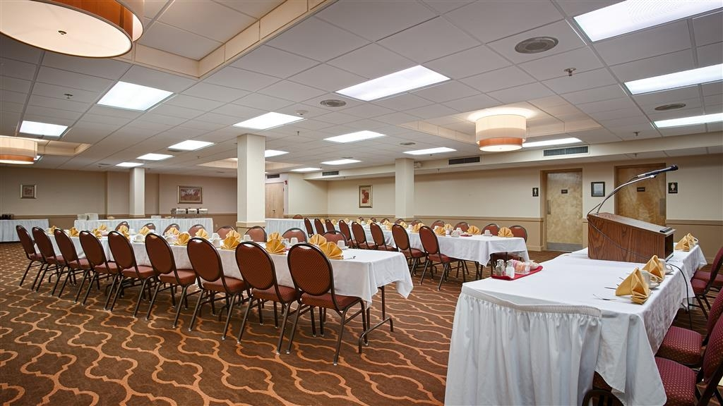Best Western State Fair Inn - Four meeting rooms of various sizes can easily accommodate your board meeting or reception