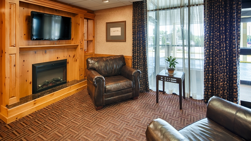 Best Western State Fair Inn - Relax in our comfortable Lobby