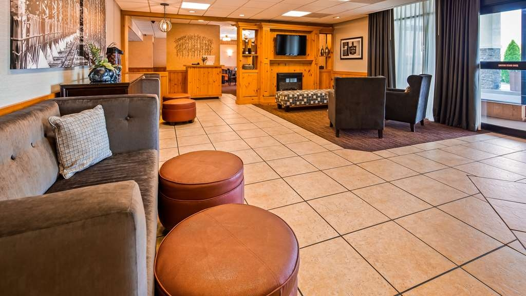 Best Western State Fair Inn - Start your trip by visiting our Front Desk