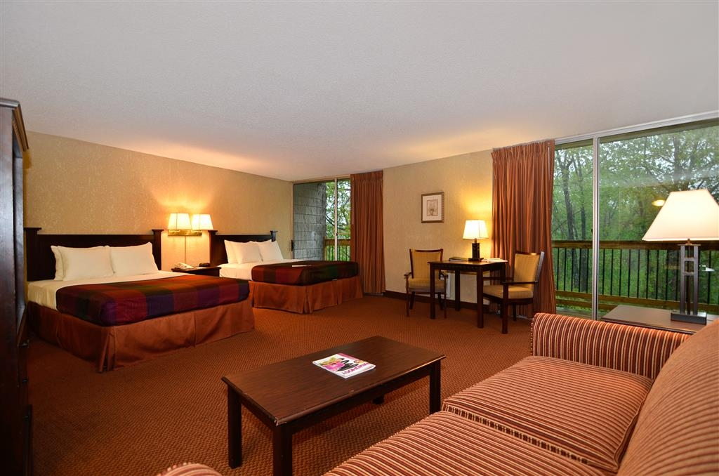Best Western Branson Inn and Conference Center - Stretch out and relax in our Two Queen Suite