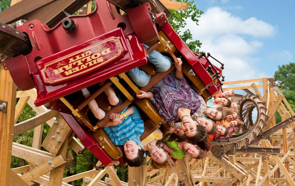 Best Western Branson Inn and Conference Center - Enjoy an afternoon at Silver Dollar City with Rides like Outlaw Run.