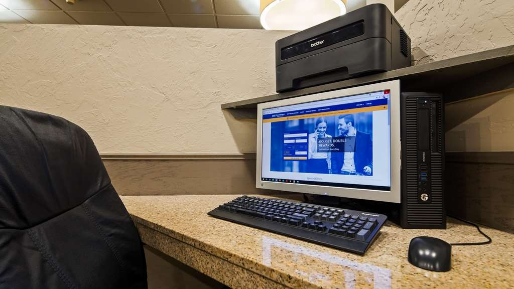 Best Western Branson Inn and Conference Center - Stay connected in our business center.
