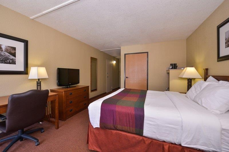 Best Western Branson Inn and Conference Center - For your convenience, we have Mobility Accessible Guest Rooms