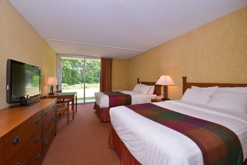 Best Western Branson Inn and Conference Center - Make yourself at home in our two queen bed guest room
