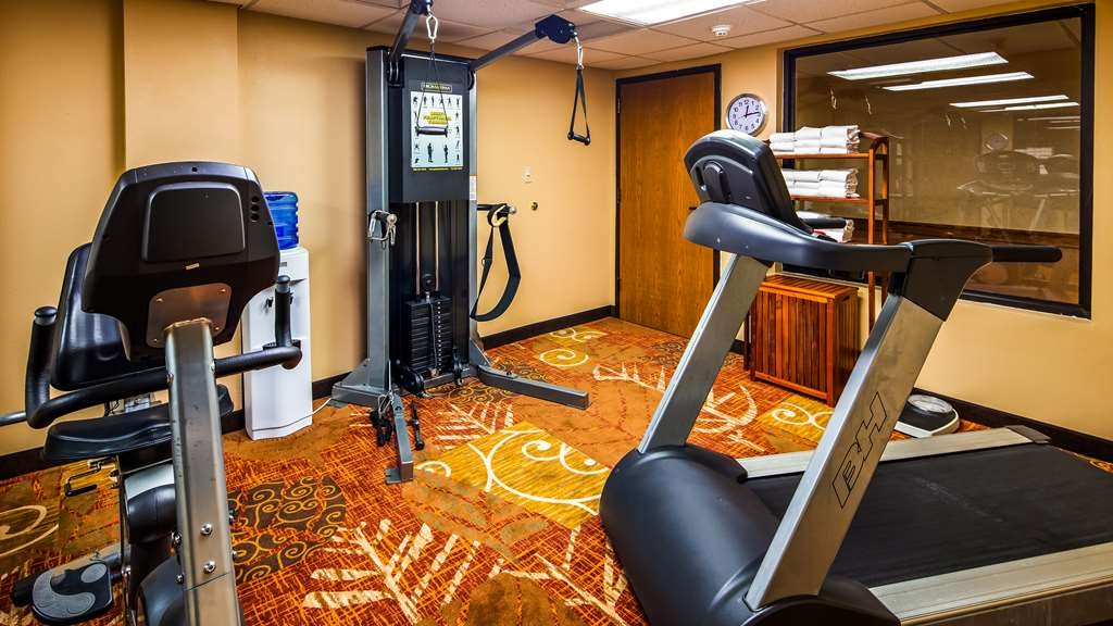 Best Western Music Capital Inn - Burn off last night's dinner in the fitness room.