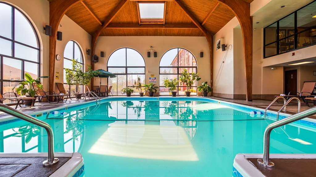 Best Western Music Capital Inn - Take a dip in our Indoor Swimming Pool