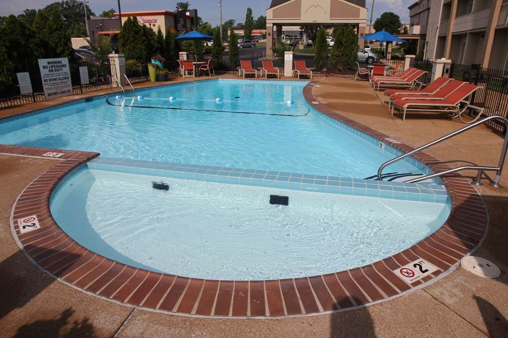 Best Western Kirkwood Inn - Vista de la piscina