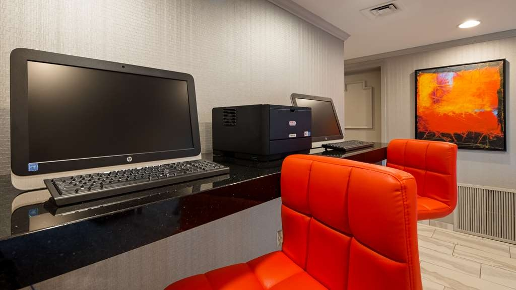 Best Western Kirkwood Inn - Stay in touch in our lobby business center.