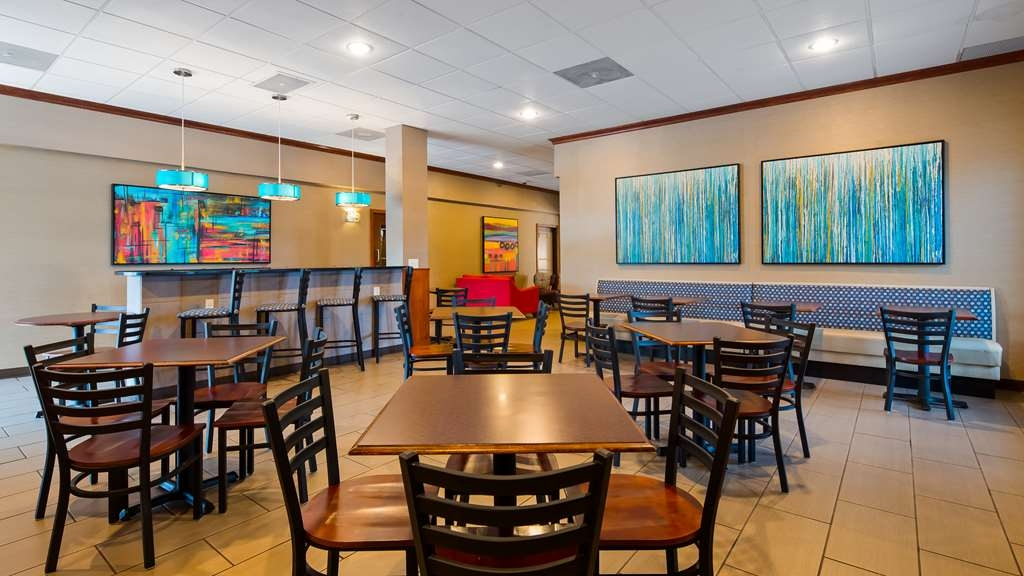 Best Western Kirkwood Inn - Rise and shine with a complimentary breakfast every morning.