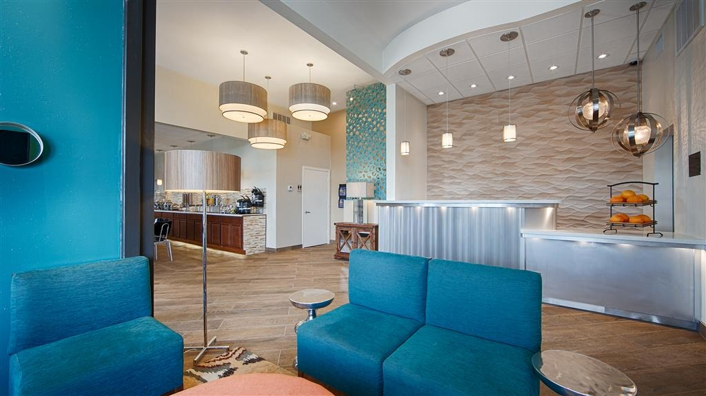 Best Western The Oasis at Joplin - The moment you step into our lobby you'll feel like part of our family. Stay With People Who Care.