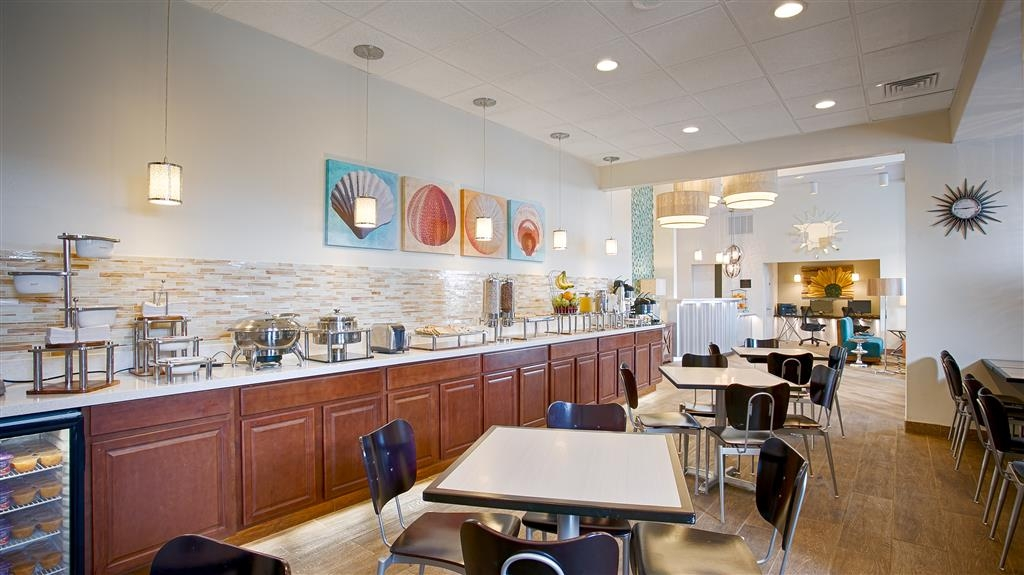 Best Western The Oasis at Joplin - Start your day off right and enjoy a FREE hot breakfast.