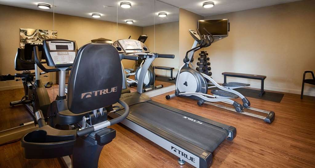 Best Western The Oasis at Joplin - Keep up with your work out routine in our Fitness Center