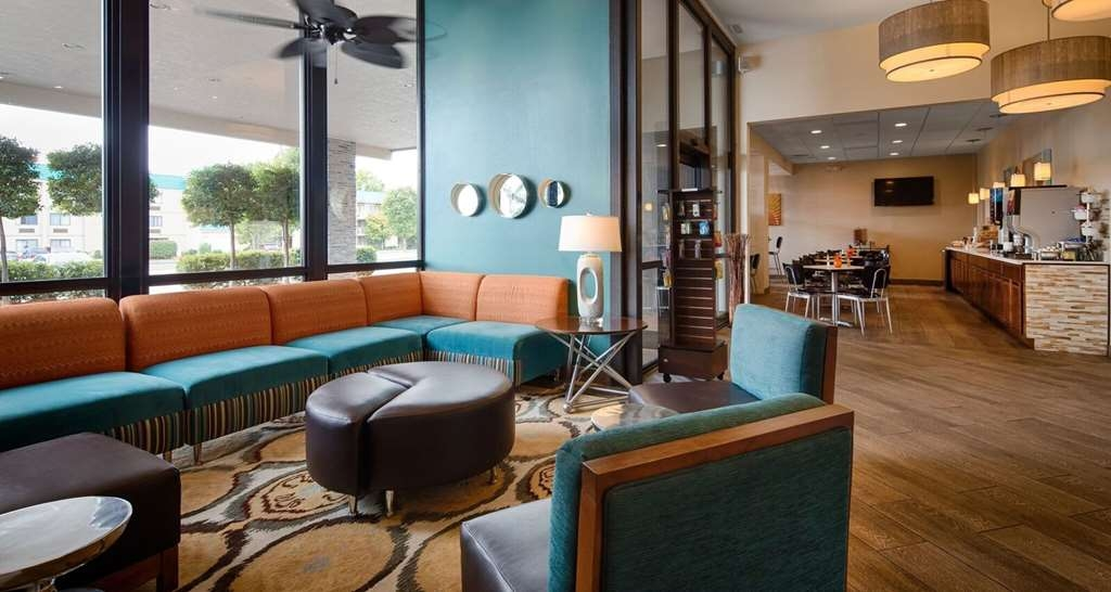Best Western The Oasis at Joplin - Enjoy the comfort of our Hotel Lobby