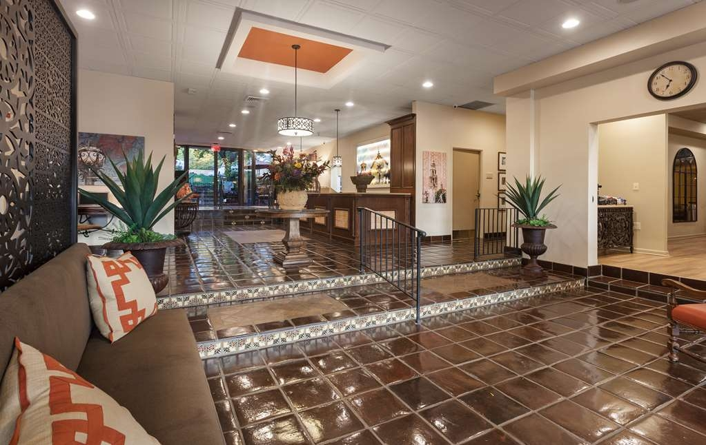 Best Western Plus Seville Plaza Hotel - We know you will feel at home as soon as you check in.