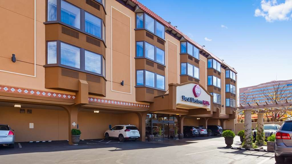 Best Western Plus Seville Plaza Hotel - When your travels take you to Kansas City MO stay at the Best Western Plus Seville Plaza Hotel. We love having you here!