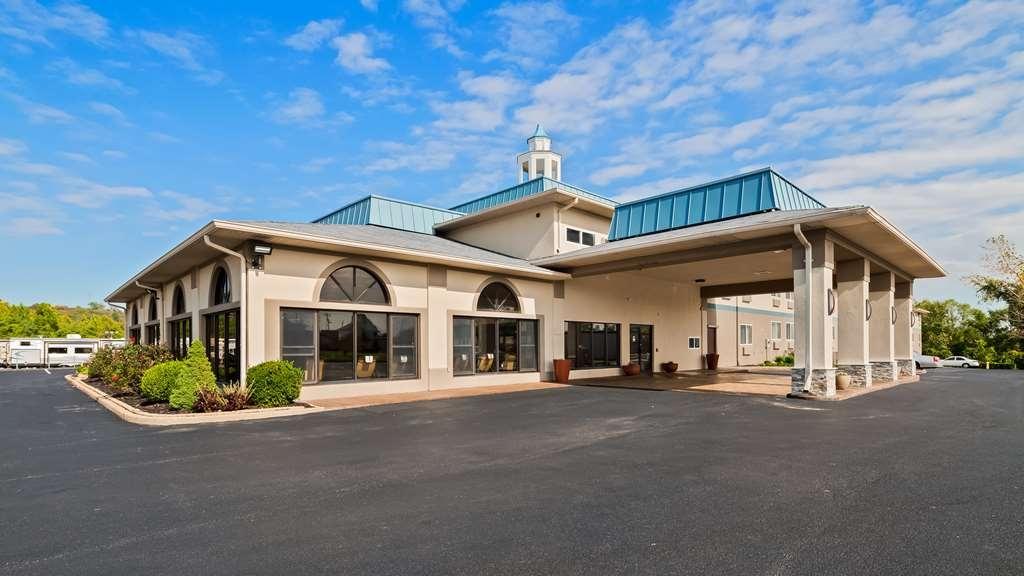 Best Western St. Louis Inn - Außenansicht