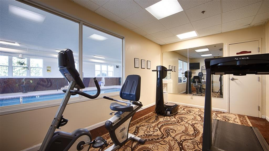 Best Western Teal Lake Inn - Keep up with your workouts in our Fitness Center