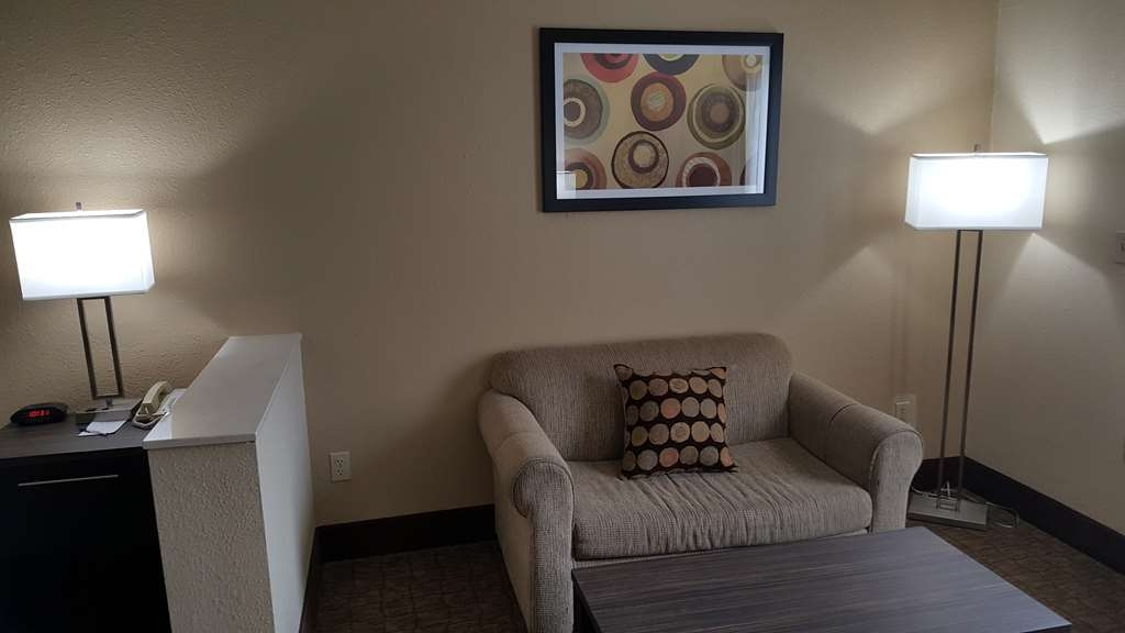 Best Western Teal Lake Inn - King Size Suite with Cable TV, Microwave, Refrigerator, Iron & Coffee Maker