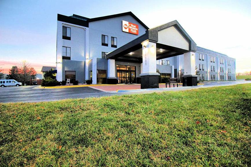 Best Western Plus Kansas City Airport-KCI East - BEST WESTERN PLUS Kansas City Airport Hotel