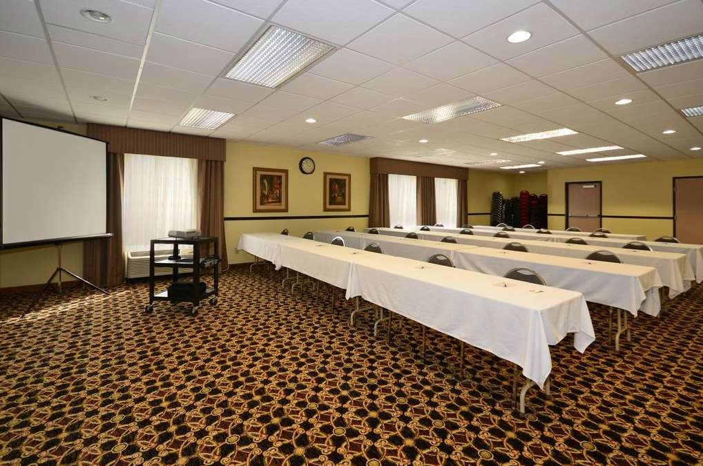 Best Western Plus Kansas City Airport-KCI East - Sala de reuniones