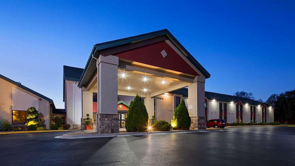 Best Western Plus Springfield Airport Inn - Vista exterior