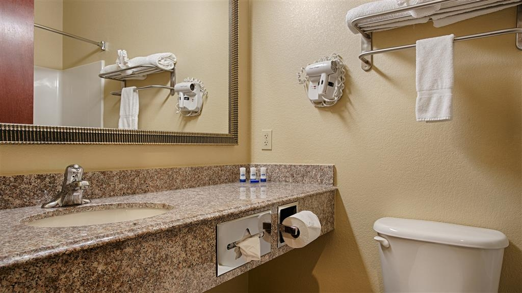 Best Western Plus Springfield Airport Inn - Baño