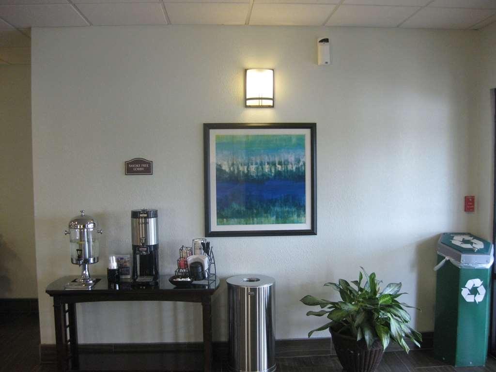 Best Western Plus Springfield Airport Inn - Hall
