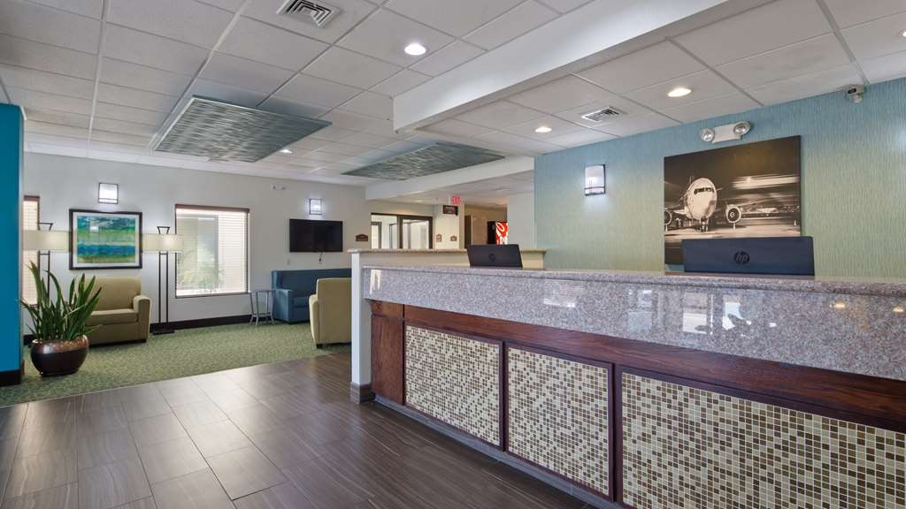 Best Western Plus Springfield Airport Inn - Hall
