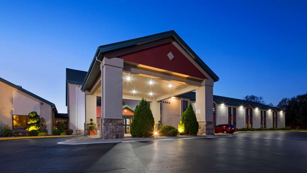 Best Western Plus Springfield Airport Inn - When your travels take you to Springfield Mo, stay at the Best Western Springfield Airport Inn. We love having you here!