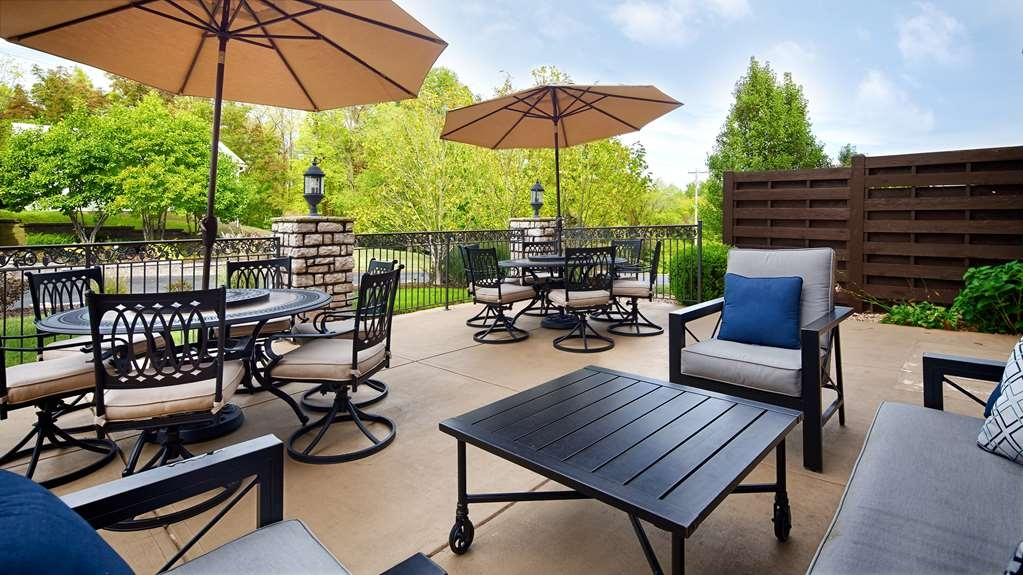 Best Western Plus Washington Hotel - Soak up the sun on our outdoor patio with ample seating area for your entire group.