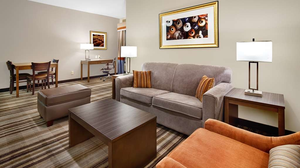 Best Western Plus Washington Hotel - Use the sofa bed in our king suite for extra sleeping space without the cost of an additional room.