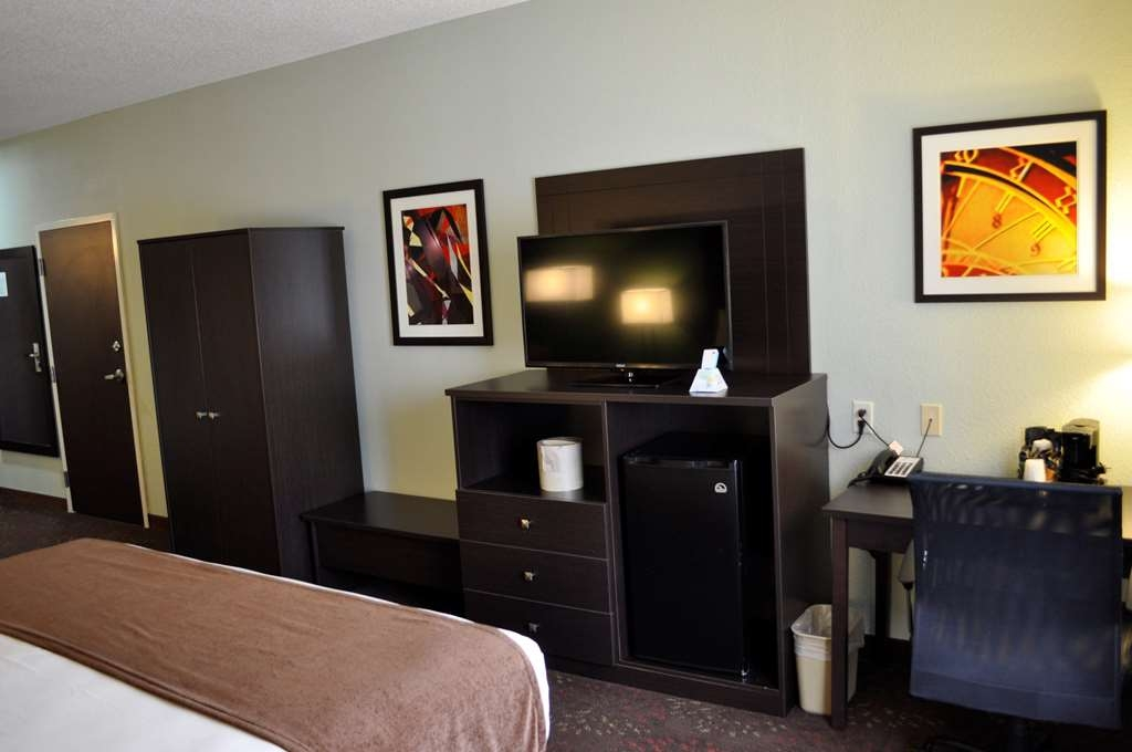 Best Western Plus Columbia Inn - guest room