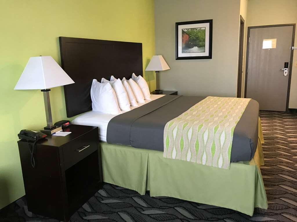 Best Western Mt. Vernon Inn - Stretch out in our King beds.